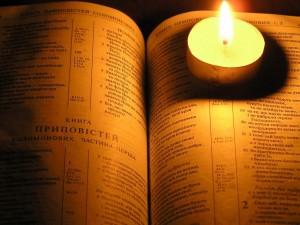 biblia-e-vela